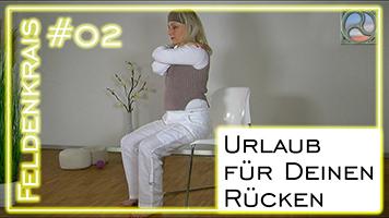 Carola Bleis bei der Feldenkrais Übung für den Rücken