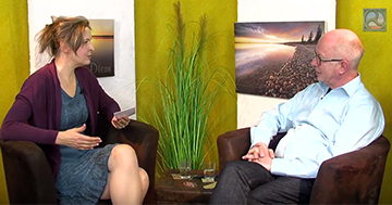 """Antje Tittelmeier im GesundheitsTipp.TV-Expertengespräch mit Robert Betz zum Thema """"Entspannt statt ausgebrannt"""""""