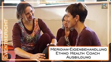 """Antje Tittelmeier im Gespräch mit einer Teilnehmerin des Seminars""""Ethno Health und Meridian-Eigenbehandlung"""""""